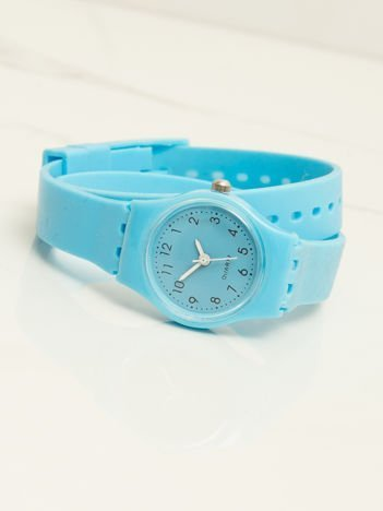 Błękitny mały silikonowy zegarek damski owijany wokół nadgarstka