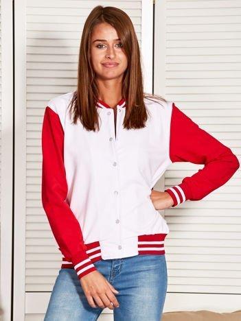 Bluza damska o kroju bomberki z kontrastowymi rękawami biała