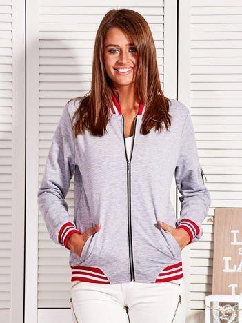 Bluza damska z kontrastowymi ściągaczami i naszywkami szara