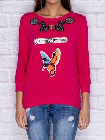 Bluza z kolorowymi naszywkami i napisem różowa