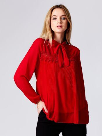 Bluzka czerwona plisowana z wiązaniem