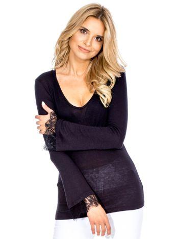 Bluzka damska czarna z koronkowym wykończeniem rękawów