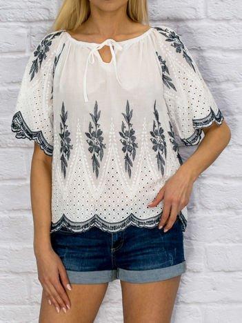 Bluzka damska z folkowym haftem i ażurowaniem biała