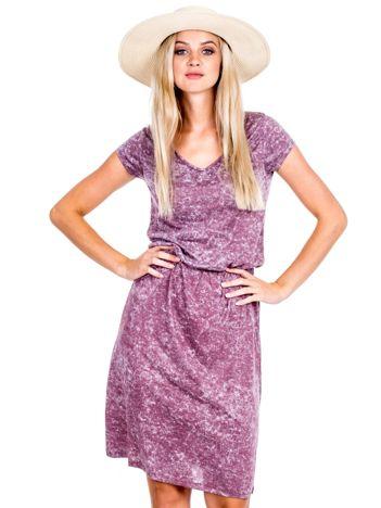 Bordowa sukienka z marszczeniem