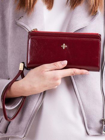Bordowy portfel z uchwytem