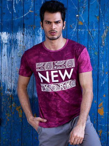 Bordowy t-shirt męski z etnicznym motywem