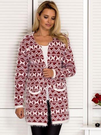 Bordowy wzorzysty sweter z dłuższym włosem