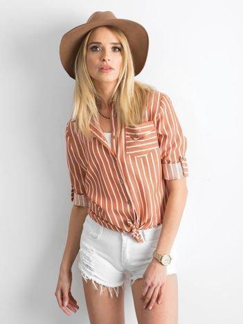 Brązowa koszula w paski