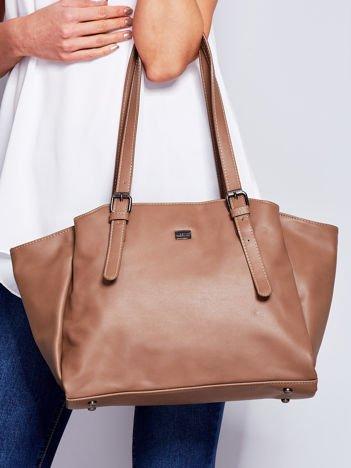Brązowa miękka torba w miejskim stylu