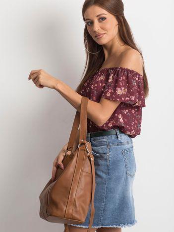 Brązowa miękka torba z odpinanym paskiem