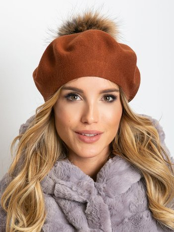 Brązowy dzianinowy beret z pomponem