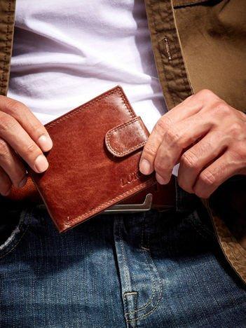 Brązowy męski portfel ze skóry z zapięciem