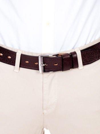 Brązowy pasek męski skórzany z metalową klamrą
