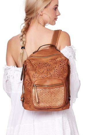 Brązowy plecak damski z eko skóry z ażurowaniem i plecionką