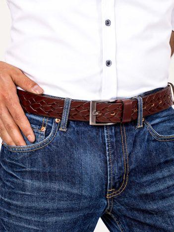 Brązowy skórzany pasek męski we wzór plecionki