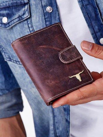 Brązowy skórzany portfel męski z zapięciem na zatrzask