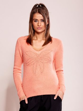 Brzoskwiniowy sweter z koralikami