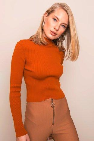 Ceglasty dopasowany sweter BSL