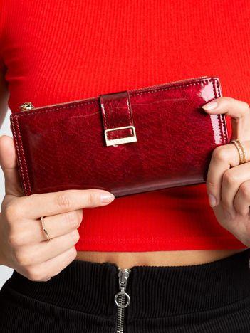 Ciemnoczerwony portfel damski
