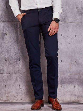 Ciemnogranatowe spodnie męskie w delikatny wzór