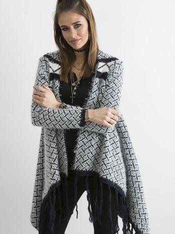 Ciemnogranatowy sweter z frędzlami