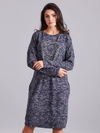 Ciemnoniebieska melanżowa sukienka z aplikacją