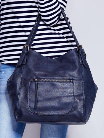 Ciemnoniebieska miękka torba z kieszeniami