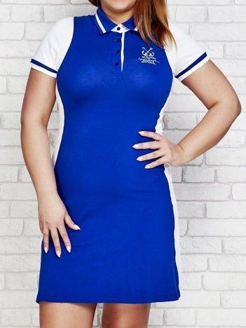 Ciemnoniebieska sukienka sportowa z kołnierzykiem