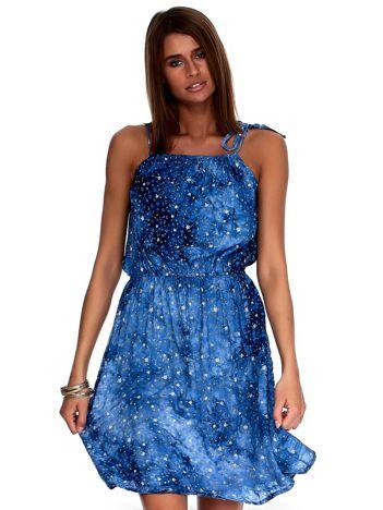 Ciemnoniebieska sukienka w drobne kwiatki