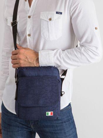 Ciemnoniebieska torba męska z klapką