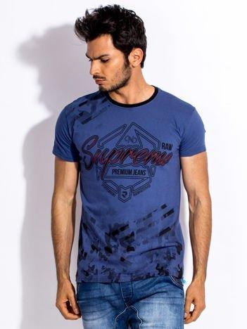 Ciemnoniebieski t-shirt męski z graficznym napisem