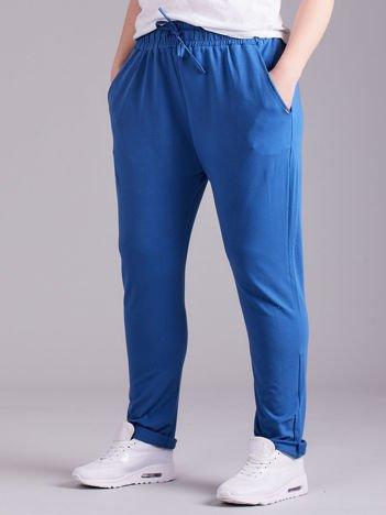 Ciemnoniebieskie bawełniane damskie spodnie dresowe PLUS SIZE