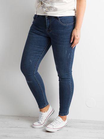 Ciemnoniebieskie jeansy PLUS SIZE