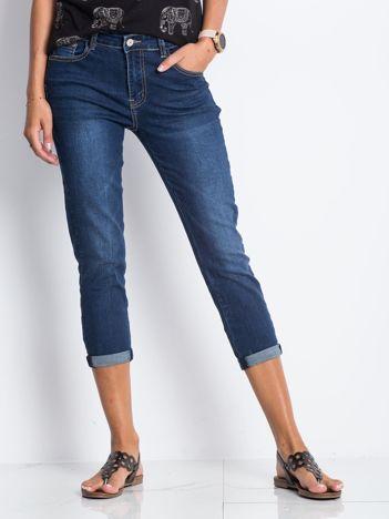 Ciemnoniebieskie jeansy Rodesty