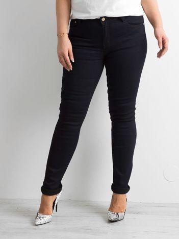 Ciemnoniebieskie jeansy skinny PLUS SIZE
