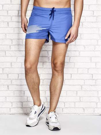 Ciemnoniebieskie męskie szorty kąpielowe z nadrukiem