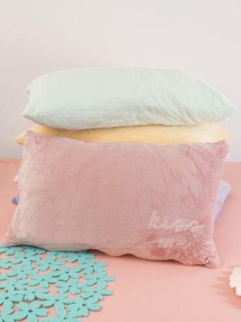 Ciemnoróżowa podłużna poduszka