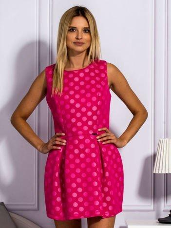 Ciemnoróżowa warstwowa sukienka w grochy