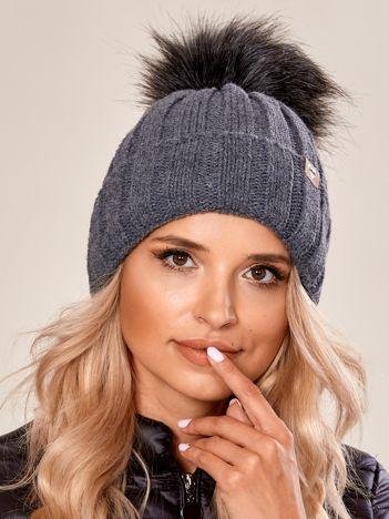 Ciemnoszara czapka zimowa z pomponem
