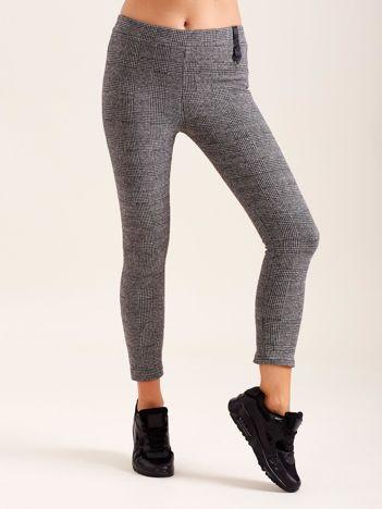 Ciemnoszare damskie spodnie w kratę