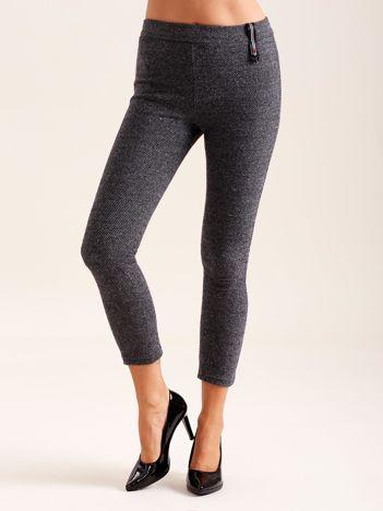 Ciemnoszare spodnie w drobne wzory