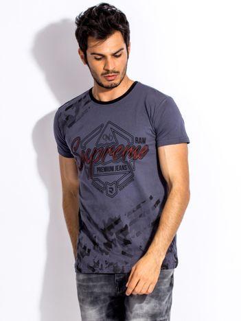 Ciemnoszary t-shirt męski z graficznym napisem