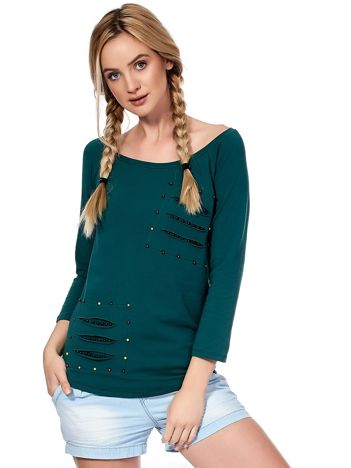 Ciemnozielona bluzka z kolorowymi perełkami i rozcięciami