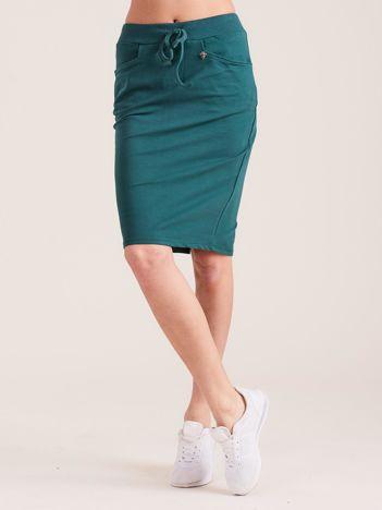 Ciemnozielona ołówkowa spódnica dresowa z kieszeniami
