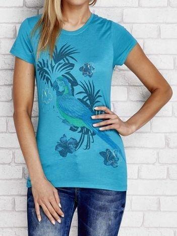 Ciemnozielony t-shirt z tropikalnym nadrukiem