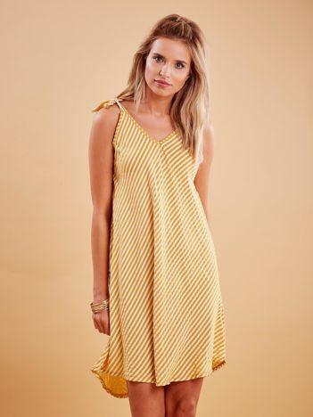 Ciemnożółta sukienka w paski wiązana na ramionach