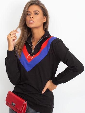 Czarna bluza dresowa z trójkątną aplikacją