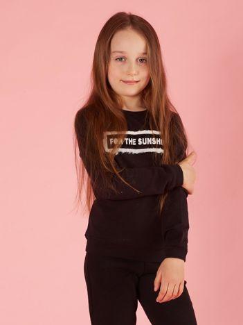Czarna bluza dziewczęca z futrzaną aplikacją