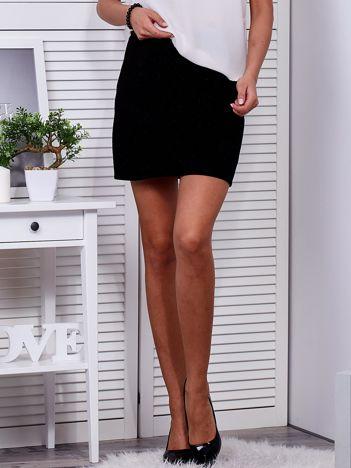 Czarna drapowana spódnica
