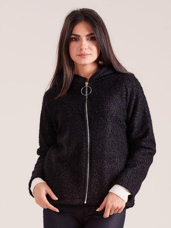 Czarna dzianinowa kurtka z kapturem